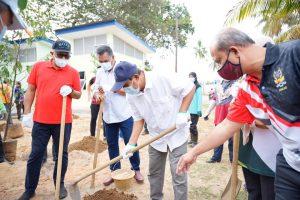 JKKK Kampung Pantai Sepat Terima Bangunan Kemudahan Awam Baharu